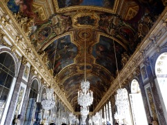 The ceiling in the hall of mirrors